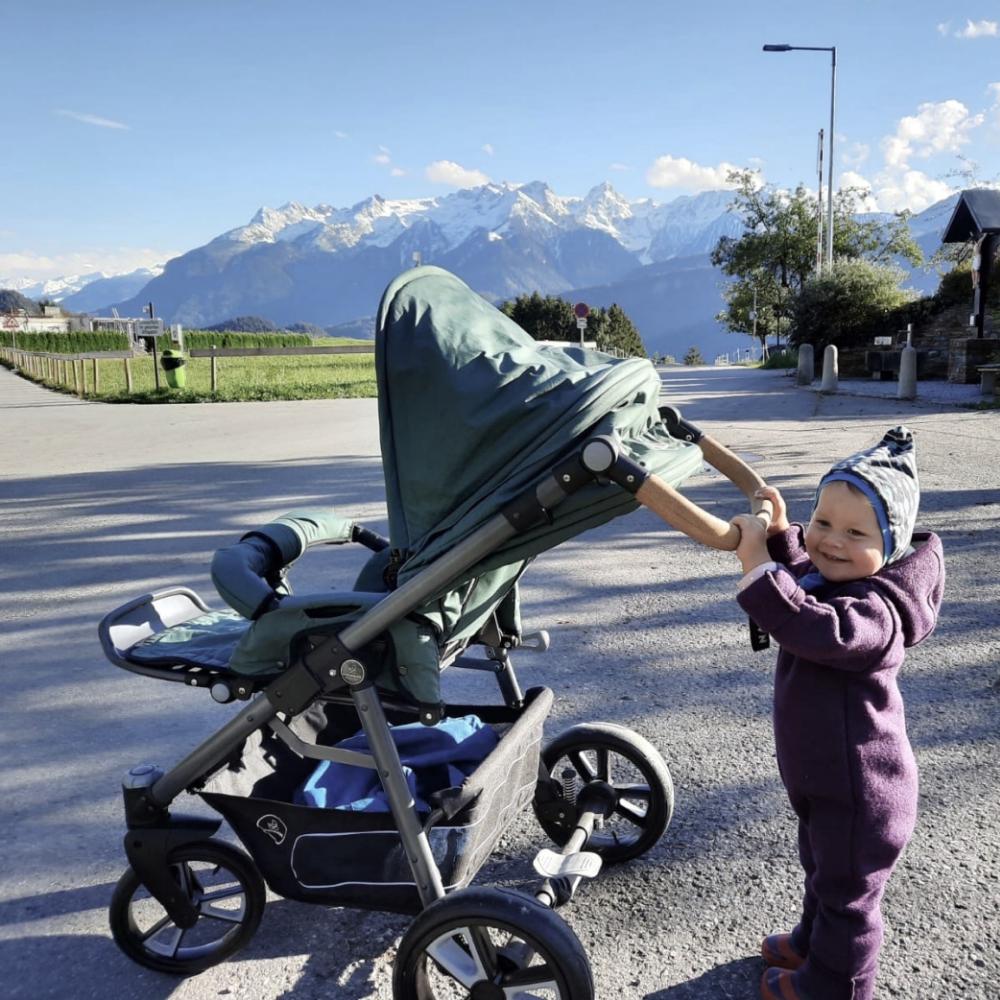 Endlich Frühling: 7 Tipps fürs Wandern mit Kinderwagen